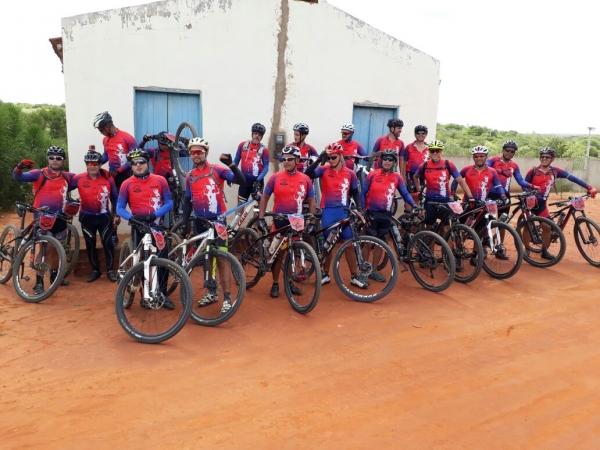 Esporte: Grupo CicloConds pedala de Vitória da Conquista a Condeúba