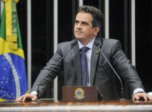 PF cumpre mandados de busca em endereços de Ciro Nogueira