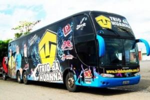 Assalto na Bahia: ônibus do Trio da Huanna é alvo de assaltantes; grupo se apresenta nos 52 anos de Belo Campo