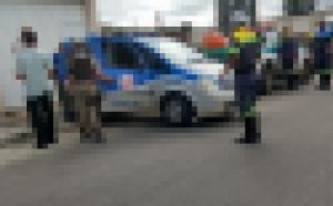Conquista: Prefeitura e Polícia Militar realizam blitz; 3 vanzeiros são conduzidos a delegacia