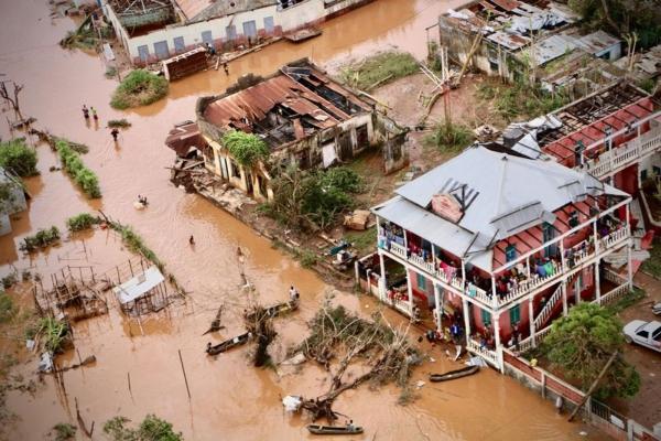 Quase 15 mil pessoas aguardam resgate em zonas inundadas de Moçambique