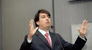 Pedro Tavares cobra do Governo hospital de Ilheús