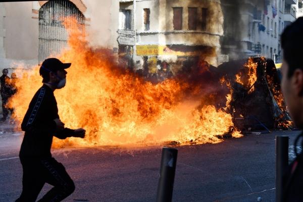 França tem protestos em escolas e universidades; mais de 700 estudantes são presos
